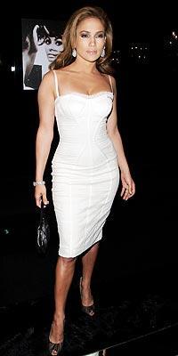 İddialı stiliyle Jennifer Lopez yine gündemde - 37