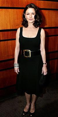 Catherine Zeta Jones'un daimi şıklığı - 19