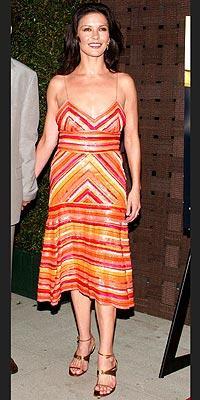 Catherine Zeta Jones'un daimi şıklığı - 29