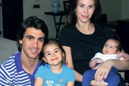 Manken Demet Şener ile Basketbolcu eşi İbrahim Kutluay'ın mutlu evliliklerinden olan 2 çocukları var. Kızları İrem ve oğulları Ömer Kutluay ailesinin minik üyeleri...
