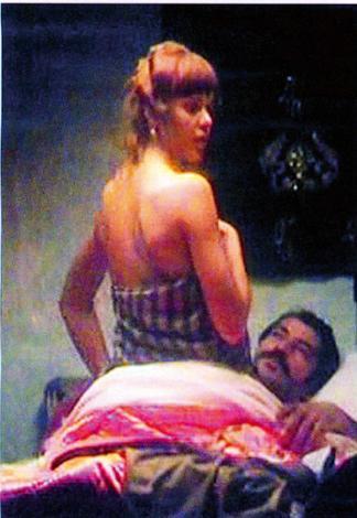Sebebi ise, filmde Kenan ile sevişme sahnesi olan 2004 Ukrayna güzeli Anna Babkova'nın bu özel sahnelerin fotoğraflarını basına sızdırdığı iddiasıydı.