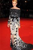 Moda sahnesinde yeni bir yıldız: Carey Mulligan - 16