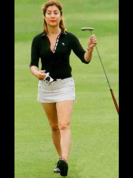 Turnuvaya katılan Serra Tokar, dünyaca ünlü golf ustası Laura Davis'le aynı takımda oynama şansını yakalmıştı.İlk başlarda bir hayli heyecanlandıran Tokar, ilerleyen dakikalarda performansıyla büyük beğeni topladı.