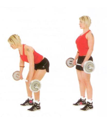 DEADLIFT  Sırt, kalça, arka bacak ve karın bölgesini çalıştırıyor.  Bacaklarını omuz genişliğinde aç. Elindeki halteri dirseklerin hafif bükülü olacak şekilde tut. Üst vücudunu dik tutarak elindeki halterle birlikte öne eğil; dizlerini de hafifçe kır (a). Başlangıç pozisyonuna geri dön (b). Bu hareketi 20 kere tekrar et.