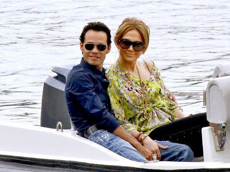 Jennifer Lopez ile eşi Marc Anthony,  Cavalli'nin yatında keyif yaptılar...
