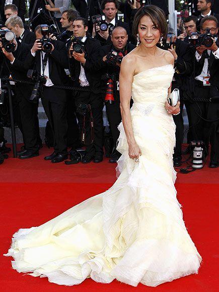 Michelle Yeoh  MichelleYeoh Roberto Cavalli Couture tuvaletiyle.