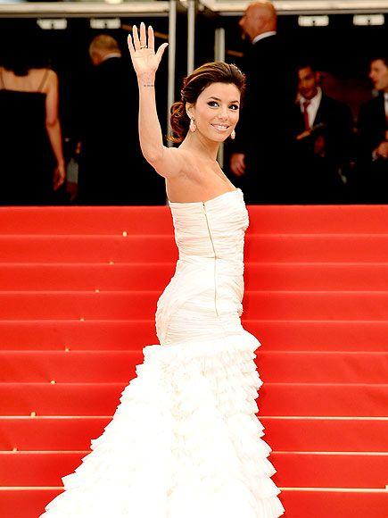 Eva Longoria  Eva Longoria festivalin açılış filmi Robin Hood'un galasına beyaz Emilio Pucci tuvaletiyle katıldı.