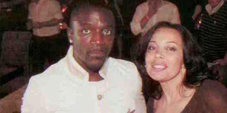 Akon, Manolya Onur
