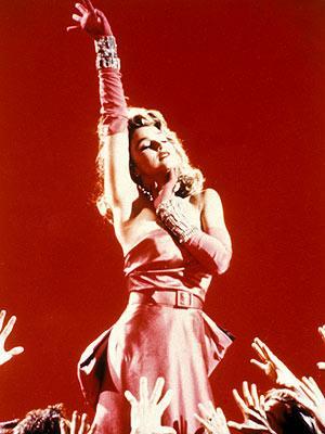 Çeyrek asrın pop kraliçesi: Madonna - 22
