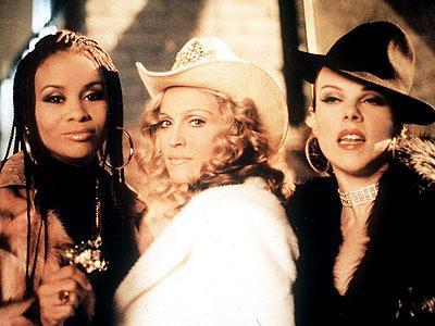 Çeyrek asrın pop kraliçesi: Madonna - 24