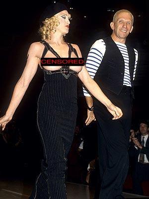 Çeyrek asrın pop kraliçesi: Madonna - 42
