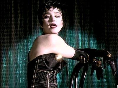 Çeyrek asrın pop kraliçesi: Madonna - 46