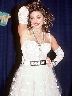 Çeyrek asrın pop kraliçesi: Madonna - 53