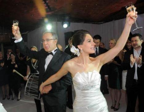 Muhteşem bir düğünle evlendiler! - 10
