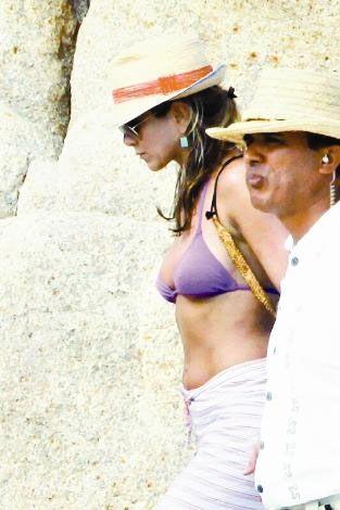 40 yaşında istediği vücuda sahip olduğunu belirten Jennifer Aniston, Hollywood yıldızları arasında en çok tatil yapan isimlerden.