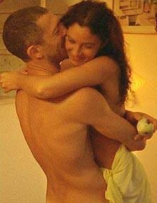 Monica Bellucci ve eşi Vincent Cassel, Irreversible (Çıkış Yok) filminin açılışındaki yatak sahneleriyle hafızalara kazındılar.