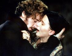 Filmin ateşli sahnelerinde rol alan Binoche ve Magimel'in ilişkileri çekimlerden sonra da sürdü. Bir kız çocukları olan çift bir süre sonra ayrıldı.