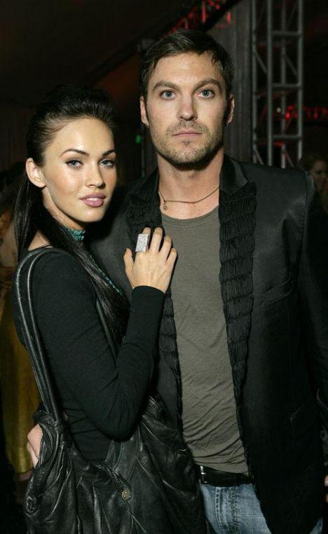 Megan Fox- Brian Austen Green  Hollywood'un yeni Angelina Jolie'si Fox ile sevgilisi ilişkilerini bir dargın bir barışık sürdürüyor.