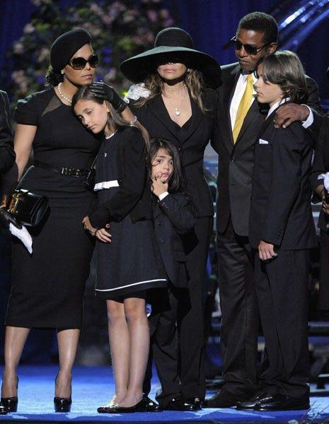 Michael Jackson'ın çocukları okula gidecek - 1
