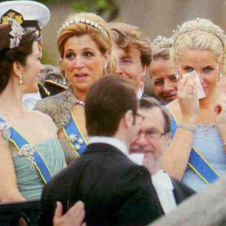 Danimarka Prensesi Mary, Hollanda Prensesi Maxima ve Norveç Prensesi Mette-Marit, Prens Daniel Westling, babası Olle Westling'le geçit törenindeyken duygusal anlar yaşadılar.