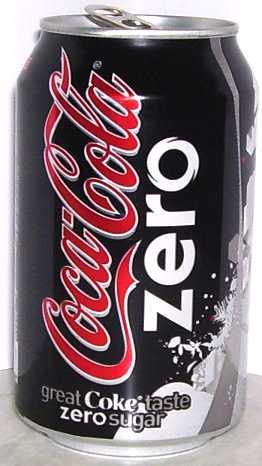 Coca Cola Zero: 03 kalori (250 ml.)   Sıfır şeker içeren Zero, 250 ml'lik cam şişesinde sadece 0.5 kcal. enerji içeriyor. Şeker O gr., protein O gr., yağ O gr., karbonhidrat O gr. Adeta hayalet bir içecek! İçerisinde su, karbondioksit, renklendirici (karamel) ve asit düzenleyiciler var.