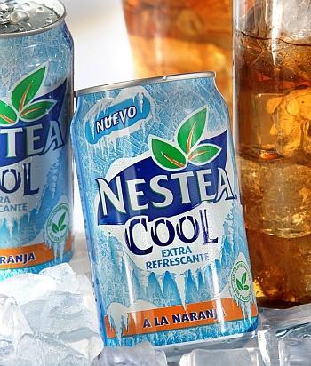 Nestea Ice Tea: 109 kalori (330 ml.)   Yaban mersini, ahududu, çilek konstantreleri, böğürtlen aroması ve çay özütlerinden oluşuyor. Başka çeşitleri de olan Nestea, koruyucu ve renklendirici içermiyor.