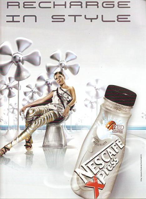 Nescafe Xpress: 125 kalori (250 ml.)   Kahve tutkunları için bir başka soğuk alternatif de kutuya girmiş olan bu sütlü kahve. Soğuk içilmesi önerilen içeceğin bir kutusunda 3.8 gr. protein, 3.3 gr. yağ, 2.3 gr. doymuş yağ bulunuyor.