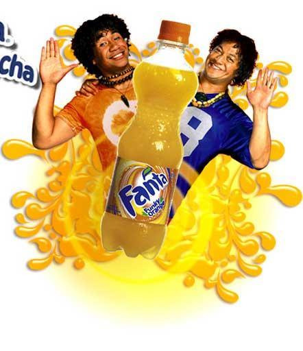Fanta Portakal: 2483 kalori (500 ml.)   Portakal aromalı gazlı içecek Fanta; su, şeker, portakal suyu konsantresi, karbondioksit, sitrik asit, sodyum sitrat içeriyor. Pet şişenin tamamını içerseniz alacağınız kalori miktarı 248.5 kcal.