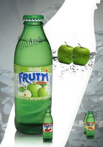 Uludağ Frutti: 68 kalori (200 ml.)   Limon aromalı gazlı içecek, aynı zamanda doğal maden suyundan üretildiği için kalsiyum, magnezyum, florür ve sodyum gibi faydalı mineraller içeriyor.