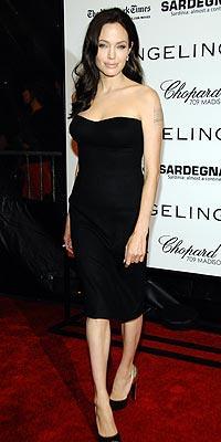 Ana tanrıça Angelina Jolie - 51