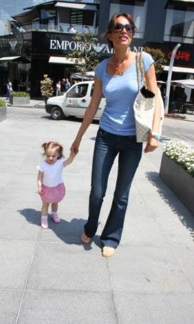Selin Bebek alışverişte.....