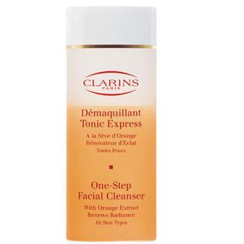 Tonik Uygulandığı anda ferahlatıcı parfümüyle cildi tazeleyen tonik, cilde canlılık katarak güne hazırlıyor. Eclat du Jour tonik: 45 TL. CLARINS