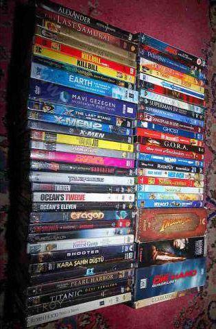 2) Ekstra masraf: DVD film  DVD izlemeyi seviyorsunuz ve satın almak yerine bazen kiralıyorsunuz. Güzel ama 10 DVD için ortalama 250 TL veriyorsunuz. (10 DVD 250 TL)  Ekonomik öneri: DVD'lerinizi arkadaşlarınızla ortak kiralayın. Böylelikle 10 DVD izlemek için sadece 25 TL harcarsınız. (10 DVD 25 TL)