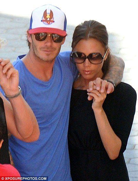 Victoria ve David Beckham, 13 yıllık ilişkilerine rağmen aşklarından bir şey kaybetmediler.