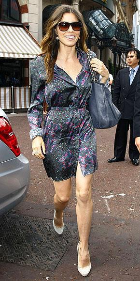 İşinin gerektirdiği gösterişli giysilerin aksine, Jessica Biel'in kişisel yaşamında tercih ettiği giysiler çok sade ve gösterişten uzak.