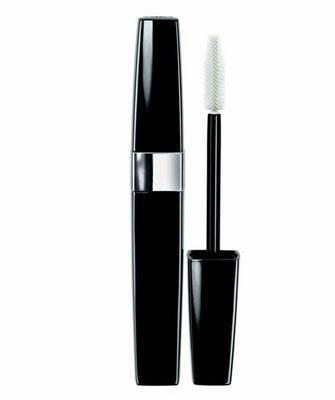 Inimitable Intense, Chanel Özellikle gece makyajı için ideal bir rimel. Bakışlara yoğunluk katan uzun süreli kalıcı yapısıyla mükemmel olmayı sevenlere göre...