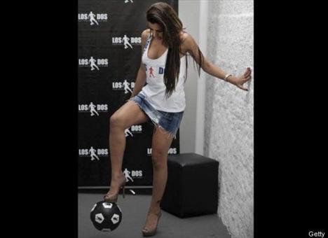 Larissa Riquelme - 31