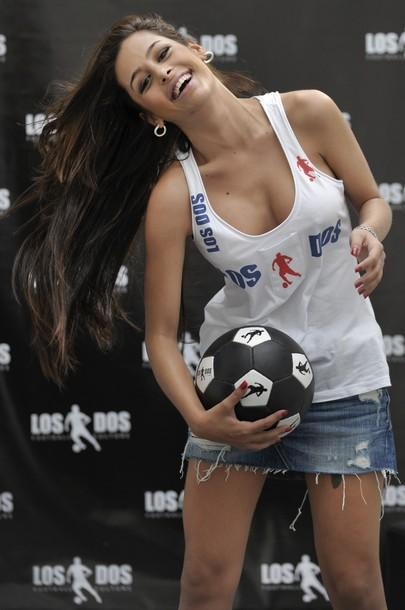 Larissa Riquelme - 38
