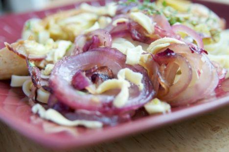 Akşam 1 adet zeytinyağlı enginar 1 kâse yoğurt 1 dilim çavdar ekmeği salata  Ara 1 orta boy elma
