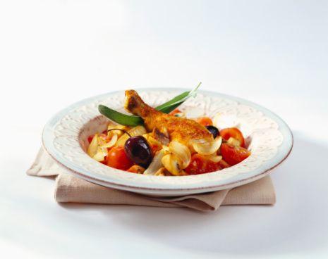 Öğlen 4 yemek kaşığı tavuk sote 1 dilim ekmek  Bolca domates  Ara 1 dilim kavun ya da karpuz