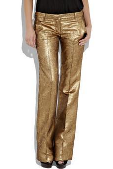 Yeni sezonun trendy pantolonları sadece şık olmak isteyenler için değil, upuzun bacaklara sahip olmak isteyenler için de ideal! Balmain