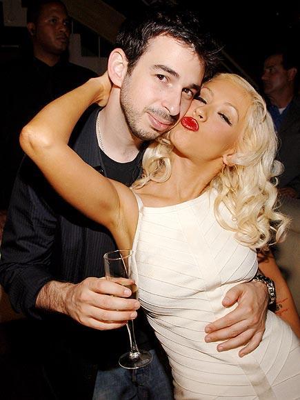 Yılın en son haberi Jason Bratman ve Christina Aguilera'dan geldi. Herkesin imrendiği çift, yollarını ayırdığını açıkladı.