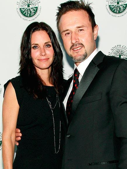 1999 yılından beri beraber olan ve 6 yaşında bir kızları olan David Arquette ve Courtney Cox, geçtiğimiz günlerde ayrıldıklarını açıkladılar.