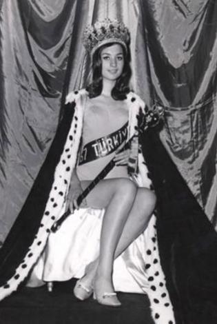 Yelda Gürani 1967 yılında Türkiye güzeli seçildi.