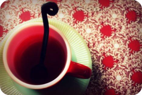 3.Kış aylarında kahve, çay gibi içecekler yerine bitki çayları ve C vitamini yönünden zengin olan kuşburnu çayını tercih edin.