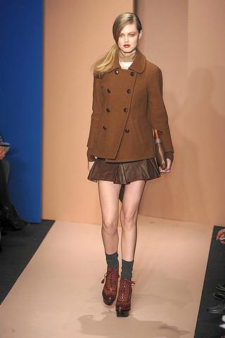 Tam bir klasik diye işte buna denir. Bu paltoları şimdi alıp, senelerce sıkılmadan giyebileceğinizi garanti ediyoruz.