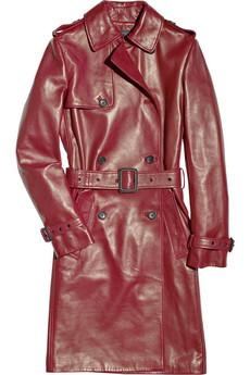 Bir zamanların asker üniforması olan trençkot, şimdi ise moda ikonlarının ve şık bayanların bir numaralı stil objesi…