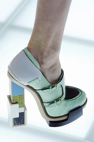 Balenciaga  Renkli ve kalın topuklu ayakkabı