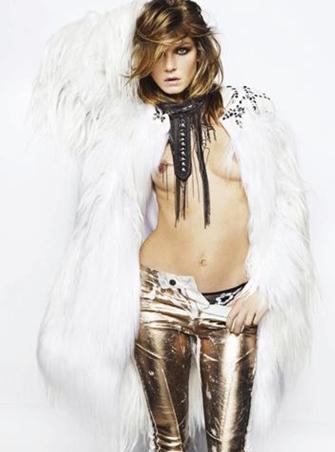 Georgia May Jagger, bir dönemin efsane mankeni Jerry Hall ile Rolling Stones üesi Mikc Jagger'ın kızı.