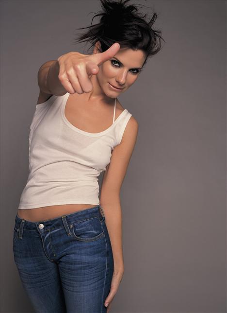Listedeki tek aktris Sandra Bullock, 37 milyon euro'luk servetiyle altıncı sırada.